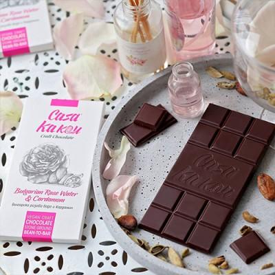 Casa Kakаu занаятчийски шоколад с розова вода и кардамон