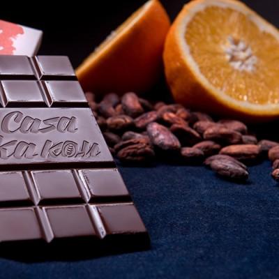 Casa Kakаu черен шоколад с портокалови корички